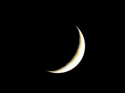 moon_crescent042406